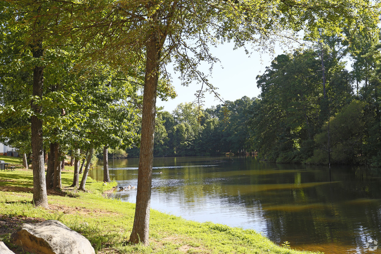 Lake view at Lakeview Apartments Fort Mill, SC